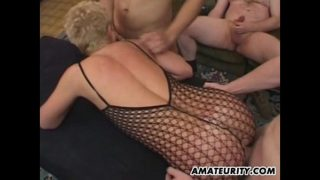 Amateur girlfriend anal group sex with facials