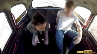 Abigail Ash invites the taxi driver in the backseat for sex
