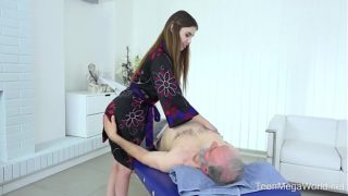 Old-n-Young.com – Elle Rose – Exciting full body massage