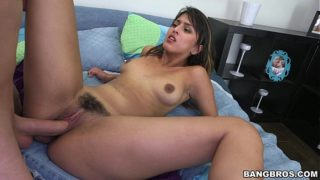 Teen Sophia Leone Loves Porn and Gives It A Shot (bbe14743)