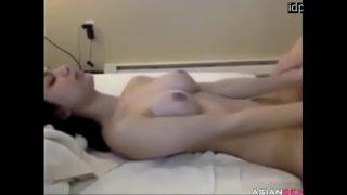 WPretty indonesian girl get fucked