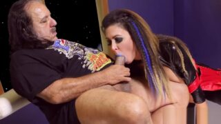 Crimped hair Jessica Jaymes fucks with Ron Jeremy